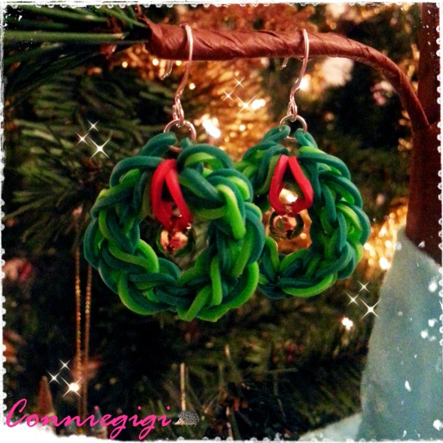 Rainbow Loom Christmas Wreath Earrings